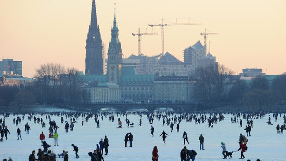 One million Germans partying on ice